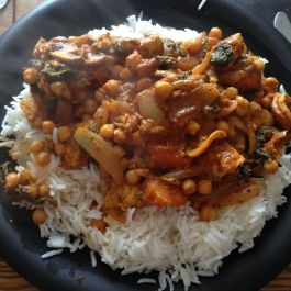 Chicken curry - rice (F), chicken (F), chickpeas (F), fat free natural yoghurt (F), passata (S), spinach (S), mushrooms (S), courgette (S), onion (S), roast butternut squash (S), curry powder (F)
