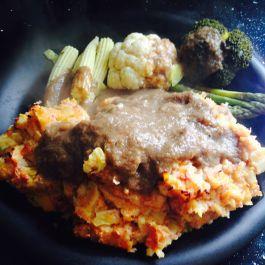 Corned beef hash with gravy (2 syns). Recipe here: https://kellsslimmingworldadventure.wordpress.com/2015/06/29/recipe-corned-beef-hash-with-gravy/