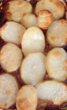 Beef Hot Pot Pie. Recipe here: https://kellsslimmingworldadventure.wordpress.com/2015/07/22/recipe-beef-hot-pot-pie/