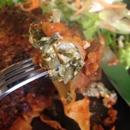 "Spinach and ""Ricotta"" Cannelloni (VEGETARIAN). Recipe here: https://kellsslimmingworldadventure.wordpress.com/2016/03/01/recipe-spinach-and-ricotta-cannelloni/"